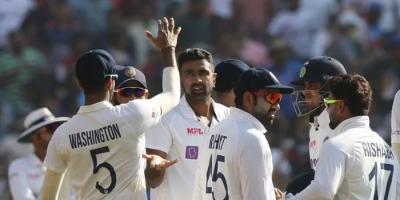 टेस्ट मैच में तीन विकेट झटक कर नया कीर्तिमान अश्विन ज़हीर खान से आगे निकले