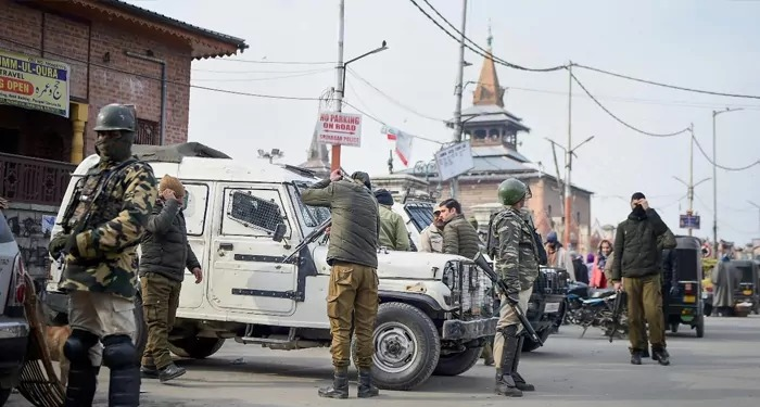 जम्मू कश्मीर पहुंचा एक और विदेशी राजनयिकों का दल हालातों का लेगा जायज़ा