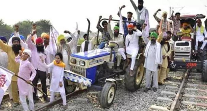 किसान आंदोलन – रेल रोको आंदोलन का पंजाब-हरियाणा में देखने को मिला व्यापक असर