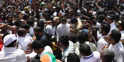 """केरल में राहुल ने """"न्याय योजना"""" का पायलट प्रोजेक्ट लागू करने का किया वादा, 72000 रूपये सीधे लाभार्थियों के बैंक खातों में जायेंगे"""