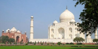 ताजमहल में बम की झूठी खबर अफवाह निकली, खबर देने वाला गिरफ्तार