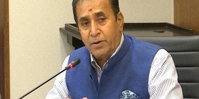 CBI जांच के आदेश महाराष्ट्र के गृह मंत्री अनिल देशमुख ने मुख्यमंत्री को सौंपा इस्तीफा