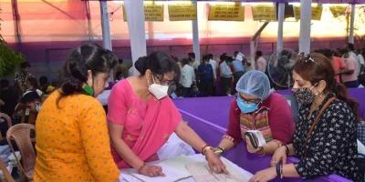 बंगाल विधानसभा चुनाव में आज चौथे चरण का मतदान, पांच जिलों की 44 सीटों पर डाले जायेंगे वोट