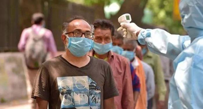भक्तों आज तो तुम बहुत खुश होगे, भारत में कोरोना संक्रमण ने सभी रिकॉर्ड तोडे, नए केस तीन लाख के करीब, 2,023 लोगों की हुई मौत